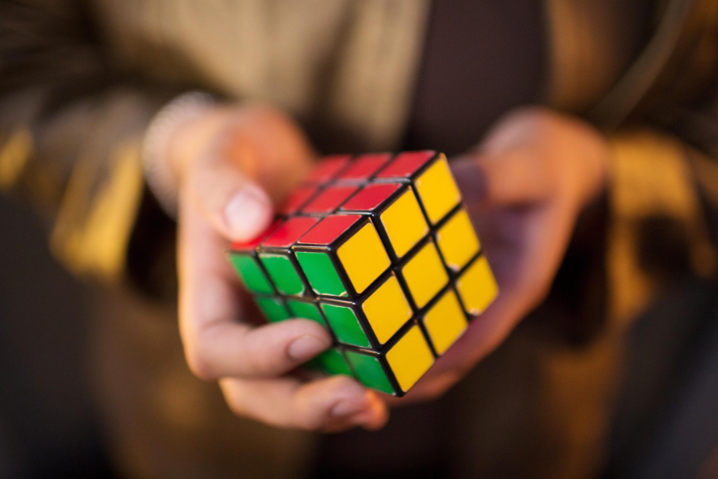 Бессмертная головоломка: кубику Рубика исполняется 44