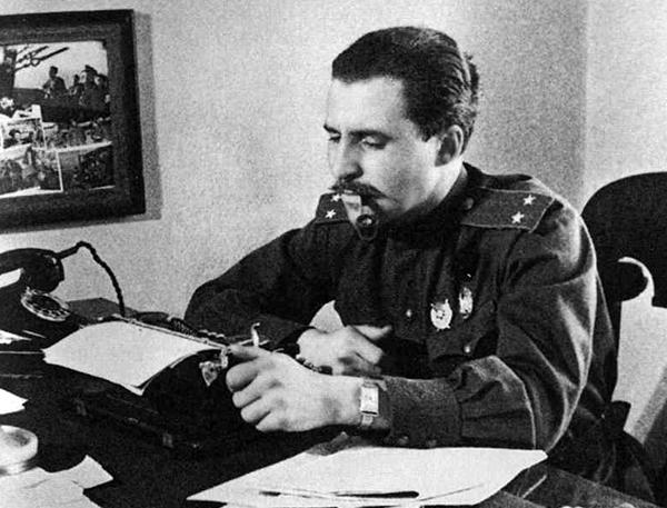 Писатели – военные корреспонденты: Константин Симонов
